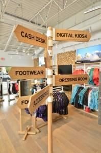 Salomon-vancouver-kiosk-digital-panneau