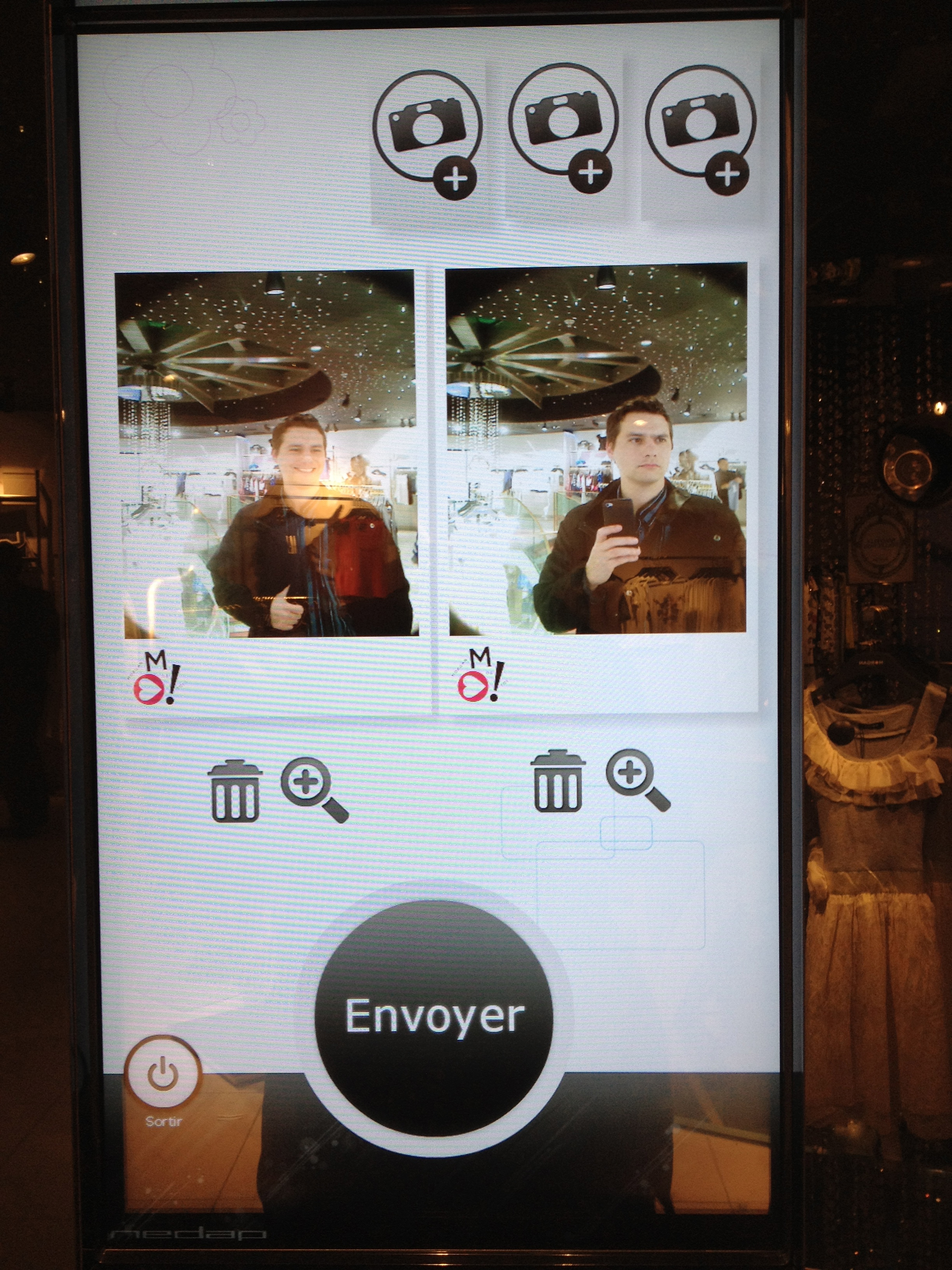 Retour sur le magasin connect morgan des champs elys es for Miroir interactif