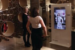 borne-interactive-virtuelle-john-lewis