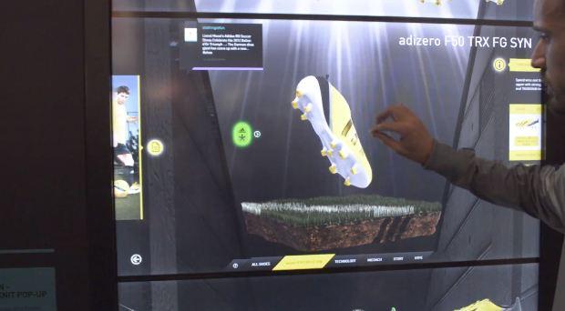 Le virtual footwear Adidas fait rentrer toutes les chaussures Adidas dans un magasin