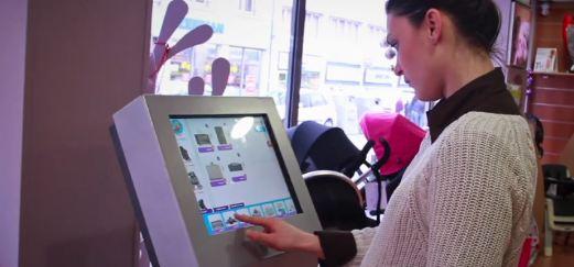 L'écran tactile et connecté du magasin Nomaya