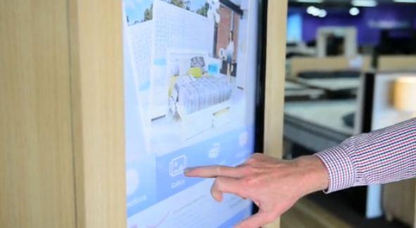 Bedshed propose du web in store grâce à des écrans tactiles