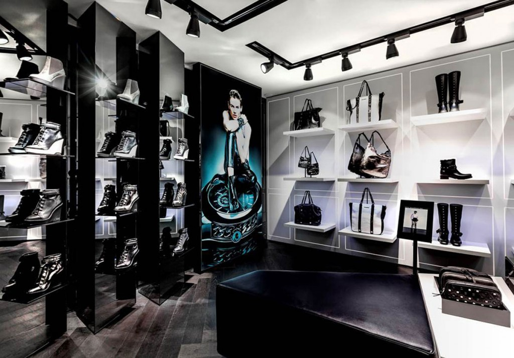 l exp rience connect e des magasins karl lagerfeld en vid o connected store. Black Bedroom Furniture Sets. Home Design Ideas
