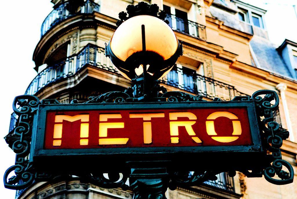 Le digital signage dans le métro Parisien