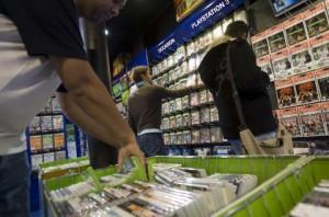 photo interieur d'un magasin de jeux videos
