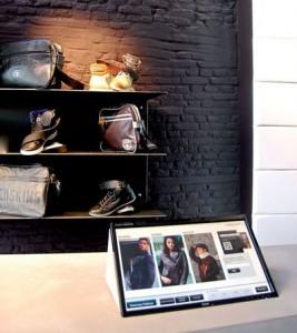 La boutique Cuir-City.com s'est doté d'écrans tactiles et connectés