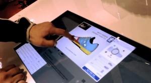 Des écrans interactifs améliorent l'expérience client de ce magasin Sport Check